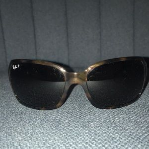 Polarized Ray Ban sunglasses excellent shape